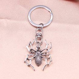 halloween spider rings Promo Codes - New Fashion Keychain 35x32mm spider halloween Pendants DIY Men Jewelry Car Key Chain Ring Holder Souvenir For Gift