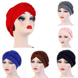 Ohrenschützer für frauen online-Muslimische Peitsche Turban Cap Ear Muffs Womens 9 Farben Satin Chiffon Kopf Kappe Frauen One Side Braid Truban Hats