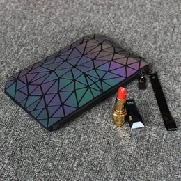 Bolsa de viaje plegable online-Luminosa Bolsa de Cosméticos Geometic organizador del bolso del recorrido del maquillaje plegable compone bolsos Casos porque señoras embrague bolsa de Tocador