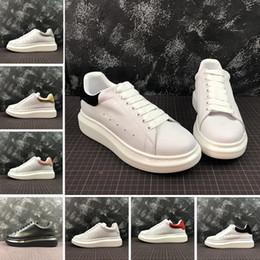 2019 zapatos de cuero real para mujer 2019 ACE Barato Negro blanco rojo Marca Diseñador de moda Zapatos de mujer Oro Low Cut Leather Flat diseñadores hombres para mujer Zapatillas de deporte casuales 36-44 zapatos de cuero real para mujer baratos