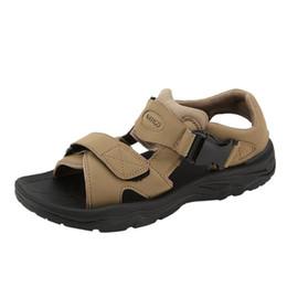 2019 sandálias marrons Brown Sandálias Dos Homens Peep Toe Gladiador Do Verão Ao Ar Livre Sandálias para Homem Sapatos de Praia Anti-skid Moda Calçado Sandálias de Pescador sandálias marrons barato