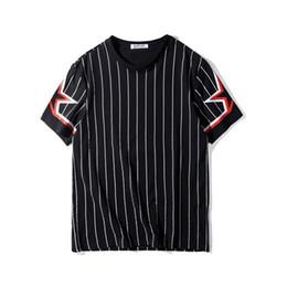 Listras brancas do preto dos homens camisas ocasionais on-line-Luxo Mens Fashion Designer T Shirt Homens Mulheres de manga curta Mens Designer Casual Tees Stripe Impressão manga curta Black White