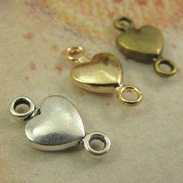 Cuentas de bronce de 8 mm. online-15 * 8MM Retro Love Connections Accesorios de bricolaje para joyería de Corea del Sur, conector de cuentas de corazón pequeño para charms, charm de bronce antiguo