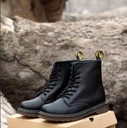 alta scatola rotonda Sconti 2019 di alta qualità britannico classico 1460 Ma Teng stivali caviglia nero rosso vino rosso signore designer di moda scarpe da uomo taglia 34-45