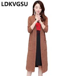 Корейский большой вязаный свитер онлайн-Весна осень новый женский длинный вязать кардиган 2019 корейский твердые Шаль куртка женский свободные большой размер 5XL свитер пальто Is1694
