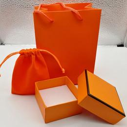 Sacos de embalagem laranja on-line-Nova Moda vermelho / laranja / branco / verde cor conjunto de pacote de caixa de pulseira bolsa original e velet bag caixa de presente de jóias, por favor, comprar com jóias