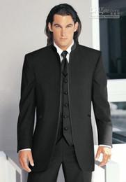 2019 ropa de esmoquin Nuevo más popular Negro Stand Collar Novio Tuxedos Groomsmen Hombres Trajes de boda Ropa de baile (Chaqueta + Pantalones + Chaleco + Corbata) 70 ropa de esmoquin baratos