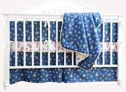 100% Algodão Orgânico Berço Do Bebê Conjunto de Cama Berçário Berço Folha Saias Pára-choques Almofadas Conjunto (azul 3 Peças Sem Pára-choques) cheap blue bedding set baby de Fornecedores de bebê conjunto de cama azul