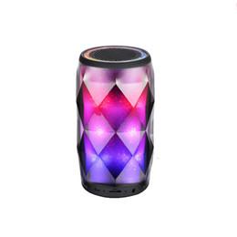 2019 alto-falante de mudança de cor Cristal pode diamante speaker bluetooth sete mudança de cor portátil speaker sem fio para suporte de subwoofer ao ar livre tf cartão mic melhor carga 3 desconto alto-falante de mudança de cor