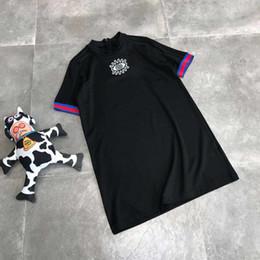 Schwarzes farbentwurfshemd online-Sommer Kleider Sport Marke Designer Kleid Luxus Kleid Lang Kurzarm T-Shirt Design Frauen Kleidung Schwarz Farbe M-XL Hohe Qualität