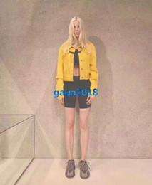 Menina, amarela, camisa, desenho on-line-High end mulheres meninas amarelo curto denim jaqueta bomber carta impressão camisa de manga longa moletom top fashion fashion design de luxo outerwear
