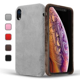2019 caso de inverno para iphone Luxo plush phone case para iphone x xr xs max suave hard pc inverno pele quente capa peludo casos cor sólida para iphone 8 7 6 plus caso de inverno para iphone barato