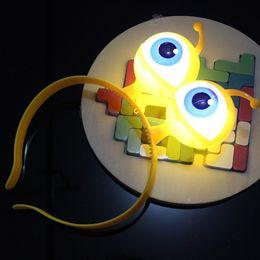 Rave party zubehör online-Neue Ankunft Ostern Party Blinklicht LED Augapfel Stirnband Haarschmuck Halloween Rave Party Hairhoop