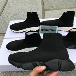 mulheres botas baixas venda Desconto Venda quente-Novo Designer de Velocidade Runner Moda Sapatos Meia Triplo Botas Pretas Vermelho Plana Treinador Das Mulheres Dos Homens Sapatos Casuais Esporte Com Saco de poeira