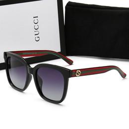 02a206f676 Distribuidores de descuento Gafas De Sol Para Hombre Negro Oro ...