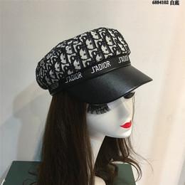 Berretti per ragazze online-Lettera piena stampata delle donne Caps all'aperto Street Style femminili Berretti di disegno d'avanguardia delle ragazze del modello cappello di inverno