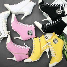2019 Yeni bayan Ayakkabıları Tuval Bayan Ayakkabı Botlar Denim Yüksek Topuklu 8.5 CM Kadın Tuval bayan Ayak Bileği Çizmeler Dantel-Up İnce Topuk ... cheap canvas lace up pumps nereden tuval dantelleri pompalar tedarikçiler