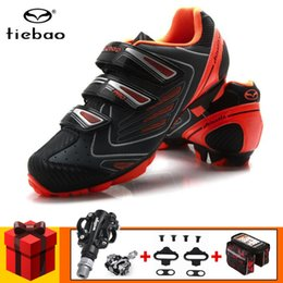 велоспорт Скидка Tiebao Велоспорт обувь MTB маунтинбайку обувь гоночный велосипед SPD педали набор Кроссовки мужские самоконтрящиеся Спортивный Езда на велосипеде