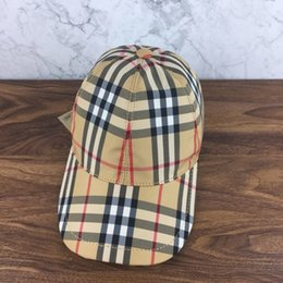 leather strap stitched Promo Codes - Baseball caps Available in all seasons Double lining High-end fashion Line stitching Leather cap nails, leather adjustment strap