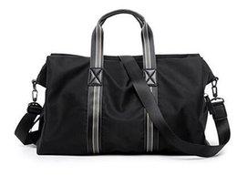 Canada 2019 livraison gratuite nouveau sac de voyage décontracté européen et américain grande capacité sac à main diagonale de toile légère pour hommes Offre
