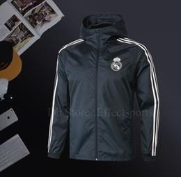 Куртки для продажи онлайн-Реал Мадрид осень тонкие куртки для мужчин Бейл МОДРИК футбол куртка 2018 2019 ветровка горячие продажи толстовки спорт с капюшоном пальто мужской Sportwears
