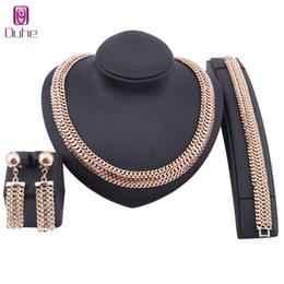 2019 afrikanischen charme für armbänder Mode Dubai Goldschmuck Sets Für Frauen Afrikanische Hochzeit Draht Charme Halskette Armband Ohrringe Nigerianischen Brautschmuck rabatt afrikanischen charme für armbänder