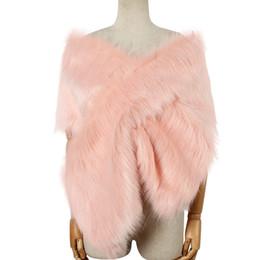 xales de pele falsa Desconto Mulheres quentes Mais Novo Outono Inverno Faux Fur Coat Ponchos Capes Nupcial Do Vestido de Noiva Xale Casaco De Pele Fofo Casacos Mulheres Tops