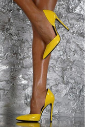 zapatos de vestir amarillos Rebajas De alta calidad de las mujeres de moda de charol amarillo del dedo del pie puntiagudo bombas de tacón de aguja Slip-on Sexy tacones altos zapatos de vestir