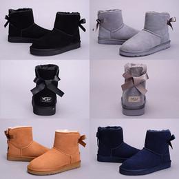 Bowtie poco costoso online-A buon mercato di alta qualità WGG Bowtie caviglia da donna in Australia classica nera grigio castagno blu navy donne ragazza stivali da neve US 5-10