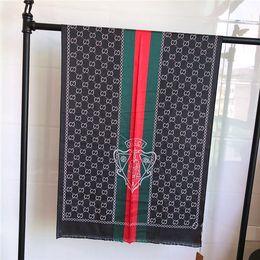 Filati per asciugamani online-Nuove sciarpe di seta di lusso Asciugamano in cotone tencel di alta qualità Designer di moda tinto in capo sciarpa di scialle autunno / inverno stampato in tinta 180 * 70 cm