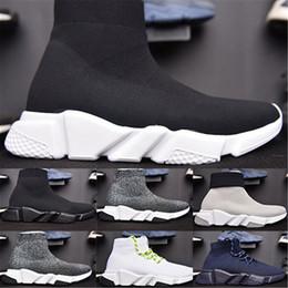 2019 semelles noires NOUVEAU Designer Socks chaussures mode hommes femmes vitesse formateur noir blanc bleu rose paillettes mens formateurs chaussure décontractée Runner lourde semelle semelles noires pas cher