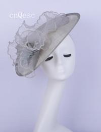 Canada 2019 Big Silver Saucer fascinator plume chapeau de mariée sinamay fascinator pour bal de la fête des mères de régate kentucky derby supplier silver sinamay Offre