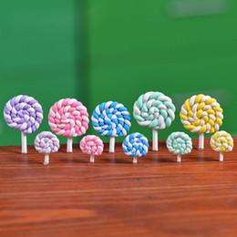 Miniatura argilla online-Colorful Polymer Clay Lollipops Argilla Morbida FAI DA TE Giocattoli Assemblati In Miniatura Fata Decorazione del Giardino Micro Paesaggio Accessorio Cactu Fioriera Regalo