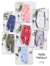 2019 12 meses ropa de marcas para niños Niños Bebé Diseñador Pantalón 2019 Nueva Moda Colores Sólidos Pantalones de Chándal Pantalones de Impresión Casual Lindos Rayas Sportwears Ropa de Lujo Chica Niño