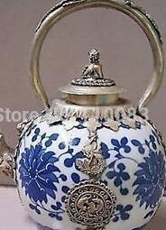 Металлический китайский чайник онлайн-Старинные ручной работы чайник для китайского восточного Тибета Серебряный дракон синий белый фарфоровый чайник античный металл Оптовая