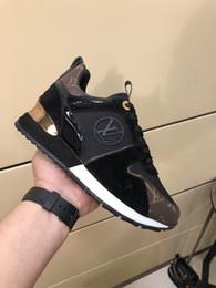 Argentina Famosa diseñadora de zapatos de deportes de ocio para mujeres de alta calidad, con tejido de cuero de vaca importado, cómodo y transpirable, tamaño 36-41. supplier branded b grade shoes Suministro