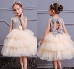 Mode Mädchen Pageant Kleider Tüll Tutu Puffy Ballkleid Kinder Blumenmädchen Kleid Bogen Sleeveless Kleinkind Pageant Kleider von Fabrikanten
