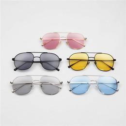 Wayfarer espelho óculos de sol homem on-line-Armação de metal Homens Tendência Aviador Óculos De Sol Pequeno Quadro Wayfarer Óculos de Sol Marca Designer Mulheres Piloto Quadro Espelho de Revestimento de Óculos de Sol de Verão