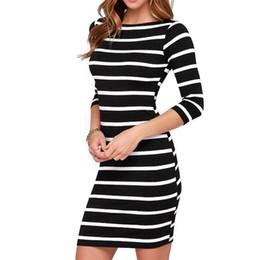 Noite preto vestidos listrados brancos on-line-Long Sleeve Outono Inverno Listrado Mulheres Casual Bodycon vestido de noite sexy Partido Magro Mini vestidos listra branca preta