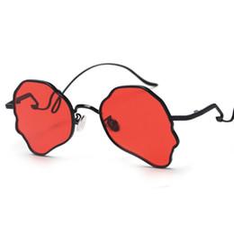 Deutschland Vintage Steampunk Sonnenbrille Männer Einzigartige Kopfform Metallrahmen Schmetterling Shades Frauen Tee Champagner Sonnenbrille Männer Versorgung