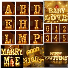 Luci di marcia online-Lettera Alfabeto LED Light Marquee Sign Luce Indoor Wall Hanging Night Lamp per matrimonio Compleanno Party Decor LED Light