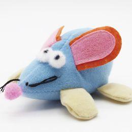 Suministros para mascotas juguetes ratón corto gato interactivo juguete ratón tirar del juguete del ratón felpa oreja grande vibrante rata desde fabricantes