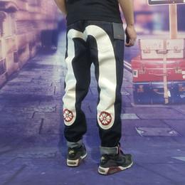 2019 mens designer calças jeans tamanho 28 2018 Outono Inverno Hip Hop Hetero Impresso Calças de Brim de Luxo Da Marca dos homens Calças de Moda Mens Jeans De Alta Qualidade Jeans Designer Tamanho 28-40 mens designer calças jeans tamanho 28 barato