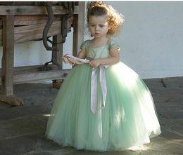 Vestidos de novia color verde claro