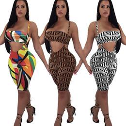 Pièces de modèle de survêtement en Ligne-Femmes Designer Deux-pièces Pantalon De Mode Motif Bikini + Shorts Active Beach Party Wear Impression De Luxe Femmes Survêtement En Gros 3 Styles