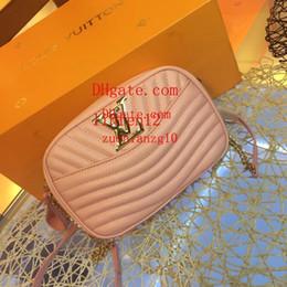 Belos sacos com zíper on-line-Pacote dos homens bolsa de ombro dos homens acessórios de moda para menino 2019 novos produtos boutique muito lindo couro acolchoado zipper cabeça 21 * 14 * 5cmb
