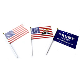 Handfahnen online-Trump Hand Signal Flag 14X21CM Donald 2020 Flags Letter Print Keep America Great Banner Waterproof Paper Hand Waving Flags GGA2075