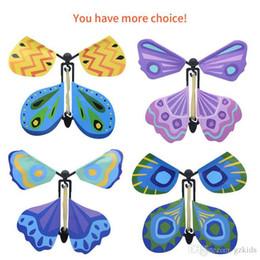 2019 mazos de cartas de bicicleta Magic butterfly 2018 nuevo cambio de mariposa voladora con las manos vacías mariposas de libertad accesorios mágicos trucos de magia
