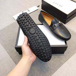 peles de couro para sapatos Desconto 2019 moda pele de peixe impressão homens sapatos de couro de patente sapatos de vestido de casamento de Metal de ouro homens de escritório de negócios sapatos formais