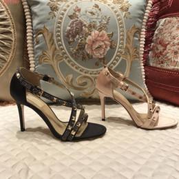 Sandales spartiates à clous noires en Ligne-Été noir sandales gladiator cloutés pour les femmes chaussures à talons aiguilles de mariage croix-sangle sandales cloutées pour les femmes